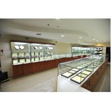 Светодиодные ленты при оформлении торговых стеллажей и витрин